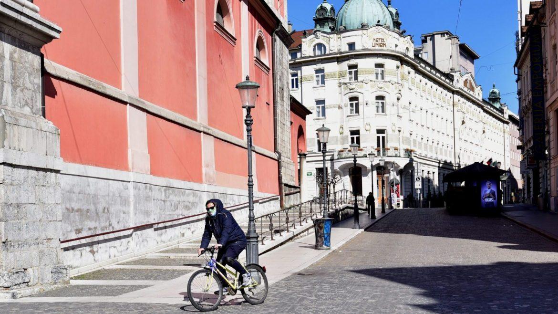 U Sloveniji skoro 1.100 novozaraženih, preminulo 12 osoba