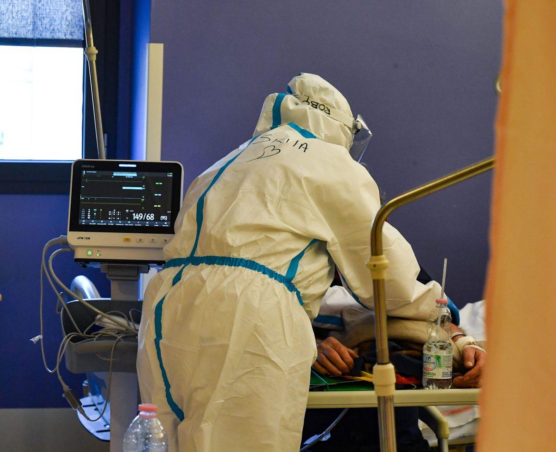 U Hrvatskoj četiri smrtna ishoda, još 962 novozaražene osobe