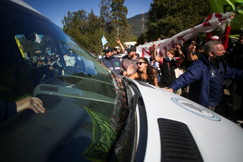 Demonstranti napali vozilo predsednika Argentine