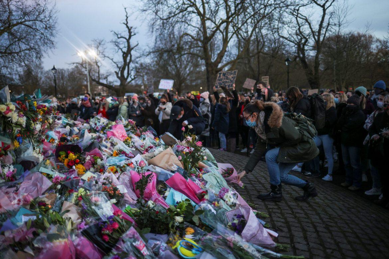 Stotine ljudi u Londonu odale poštu ubijenoj ženi