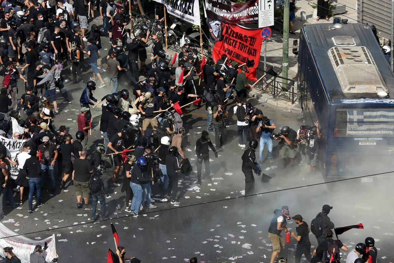 Grčki premijer poziva na uzdržanost posle naslilnih sukoba