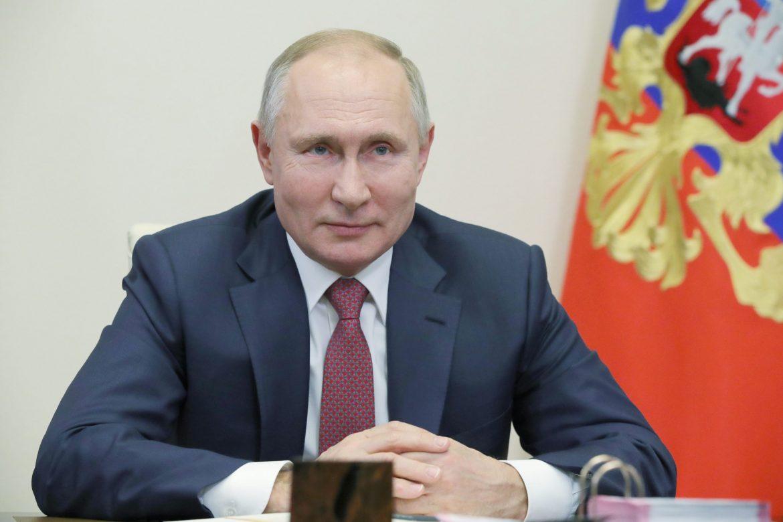 Kremlj potvrdio da se Putin vakcinisao i da se oseća dobro