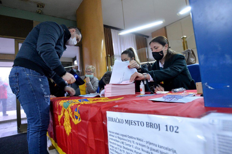 Crna Gora: Do 15 sati na izborima u Nikšiću glasalo 70 odsto birača
