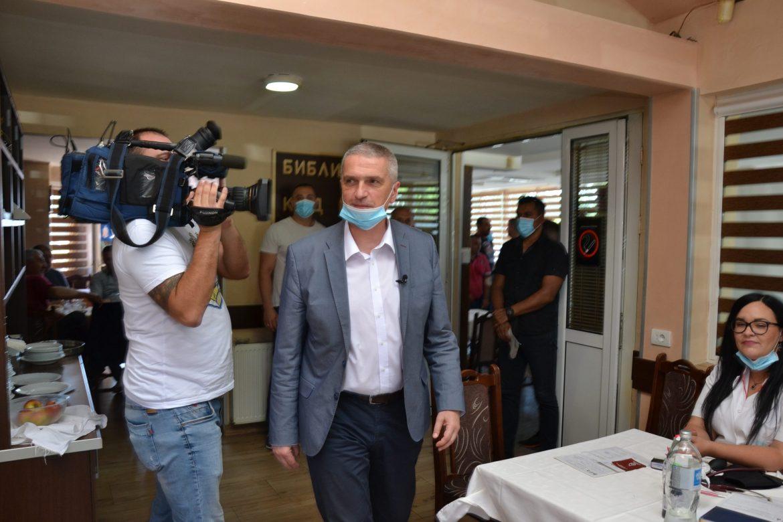 Dr Sazdanović: Zimovanje stiže na naplatu, do pola aprila visok broj zaraženih