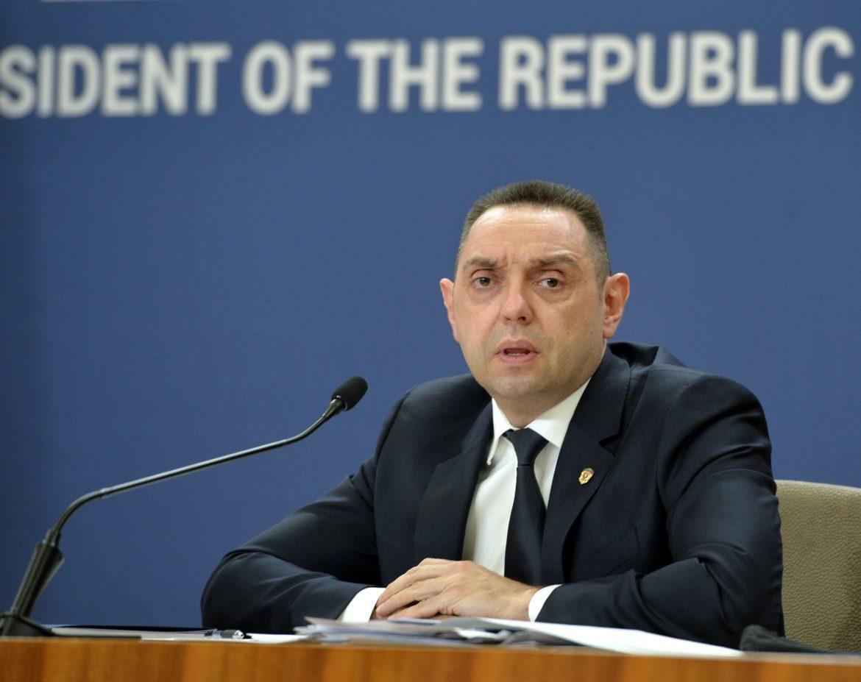 Vulin: Vučić i članovi porodice prisluškivani 1.572 puta
