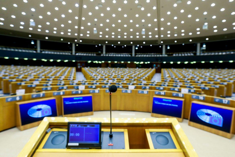 Evropska komisija ima poveranja u Fajzer, produžava ugovor do 2023. godine