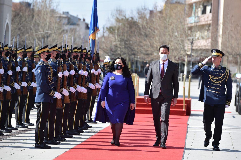 Vjosa Osmani preuzela dužnost predsednice Kosova