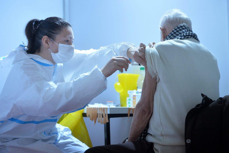 U Zagrebu počinje masovna vakcinacija starijih građana