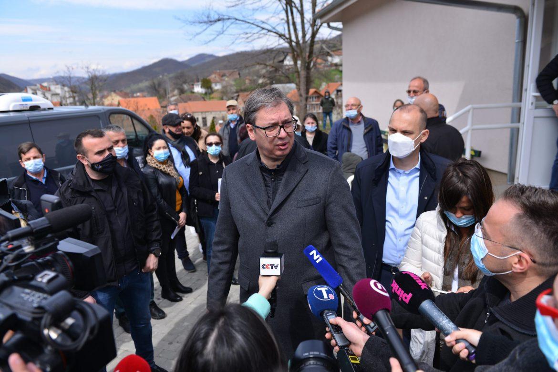 Vučić: Vitamini za penzionere išli po hitnoj proceduri zbog korone