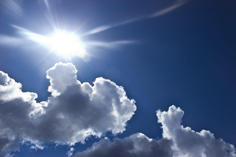 Danas smena sunca i oblaka, ponegde kratkotrajni pljusak i snega