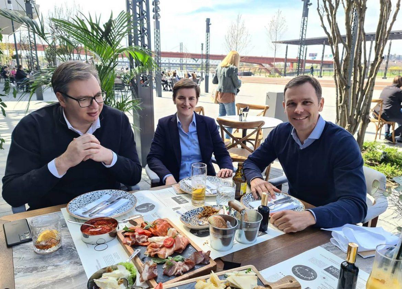 Vučić na ručku sa Brnabić i Malim na Promenadi