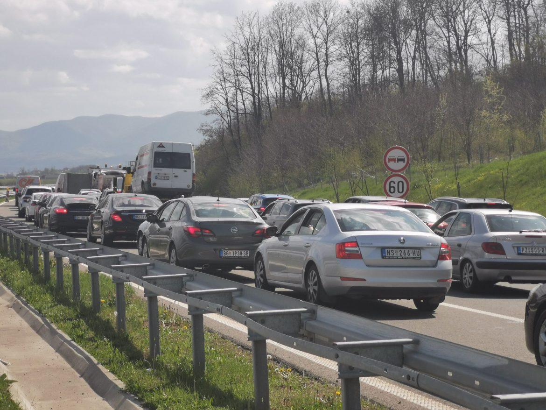 Umeren saobraćaj, ali popodne se očekuje pojačanje