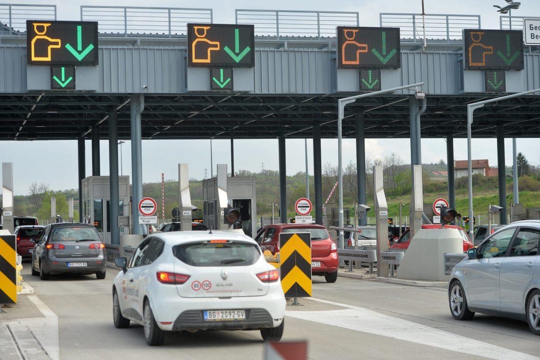 Na graničnim prelazima zadržavanja od 40 do 120 minuta