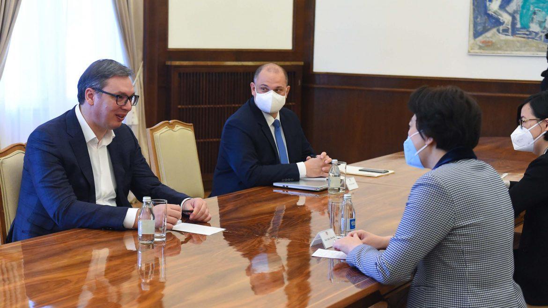 Vučić razgovarao sa Čen Bo o strateškoj saradnji i projektima