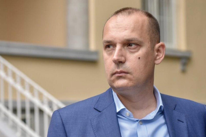 Lončar osudio novi napad na Vučićevog sina