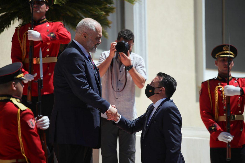Zaev i Rama potpisali dogovor o zajedničkim graničnim i carinskim kontrolama