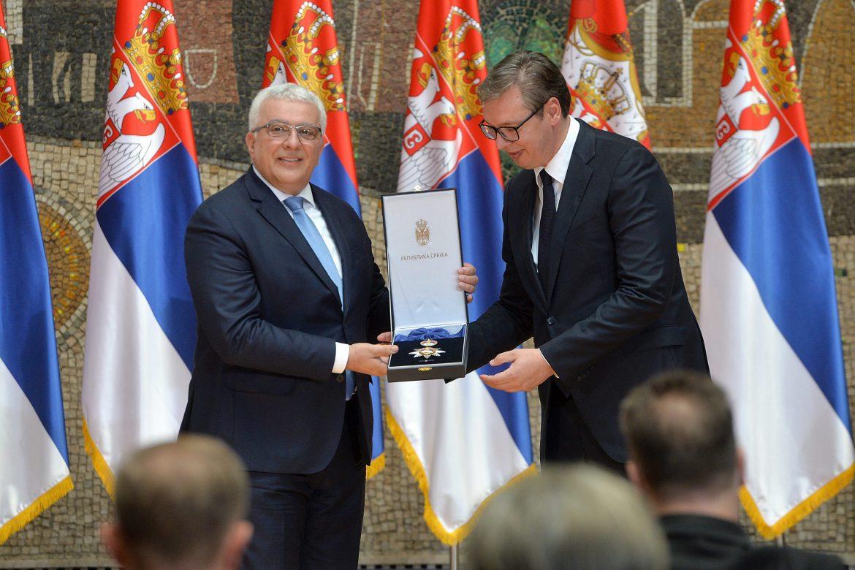 Vučić uručio odlikovanja povodom Vidovdana