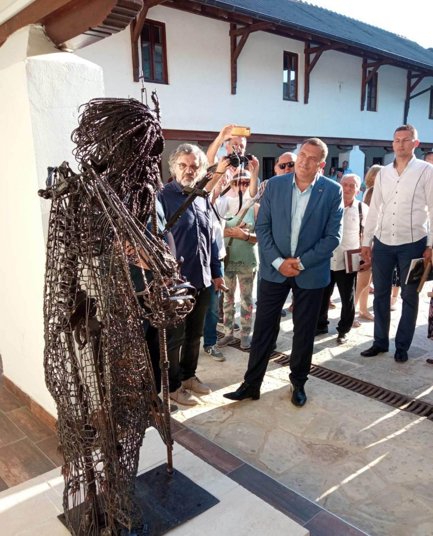 U Andrićgradu otkriven spomenik patrijarhu Pavlu