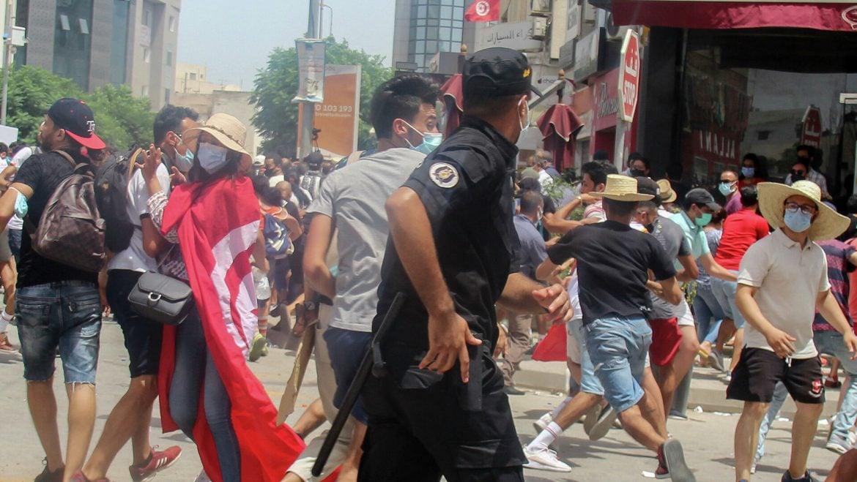 Predsednik Tunisa smenio premijera nakon nasilnih protesta
