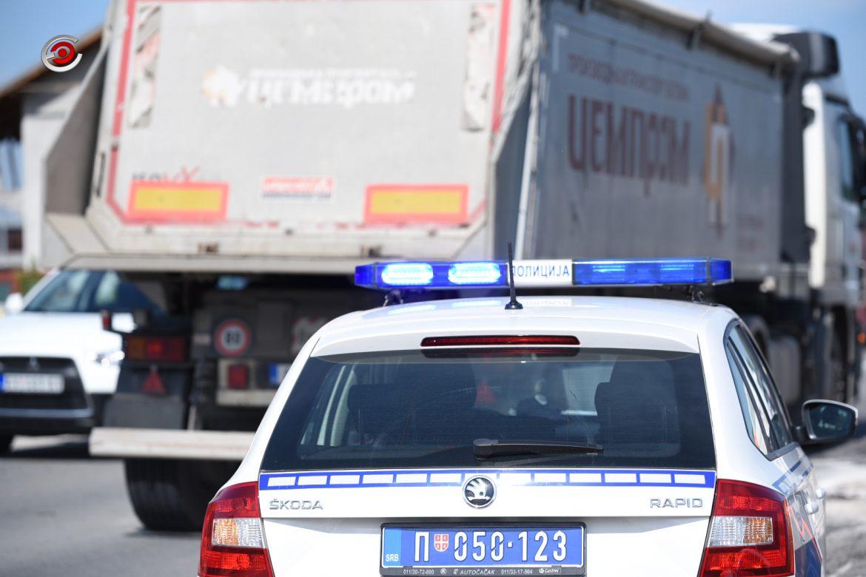 Teška saobraćajna nesreća u Sevojnu – žena poginula, muškarac i dete povređeni