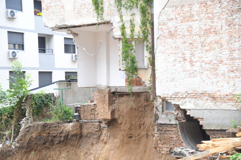 Urušila se zgrada na Vračaru, nema povređenih