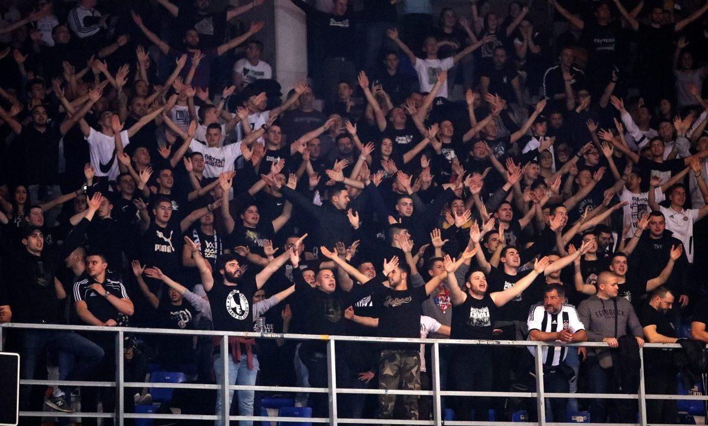 FK Partizan se ogradio od navijača koji su vređali Vučića