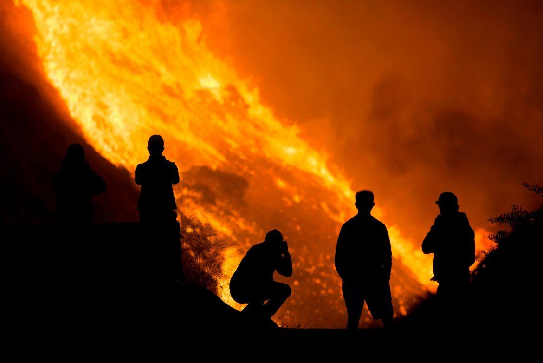 SAD: Veliki požar u Kaliforniji gasi 5.400 vatrogasaca