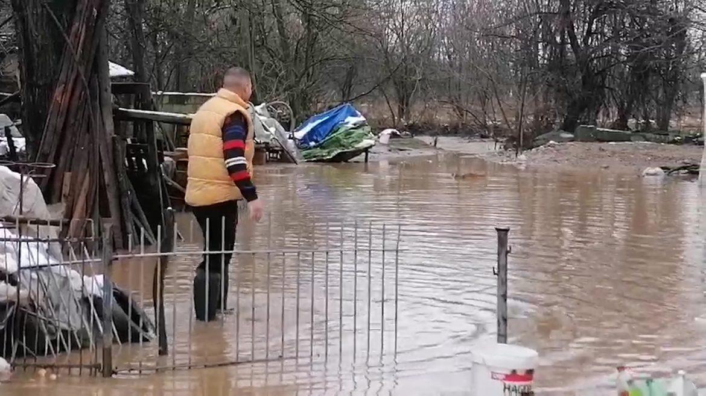 Poplava u Gadžinom Hanu odnela puteve i mostove, u Ćupriji vanredna siuacija