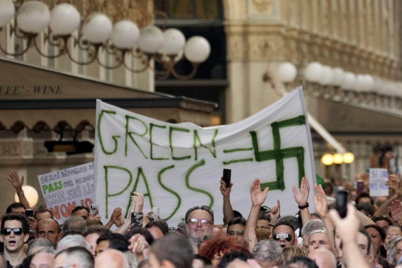 U Italiji protesti protiv uvodjenja sanitarne propusnice