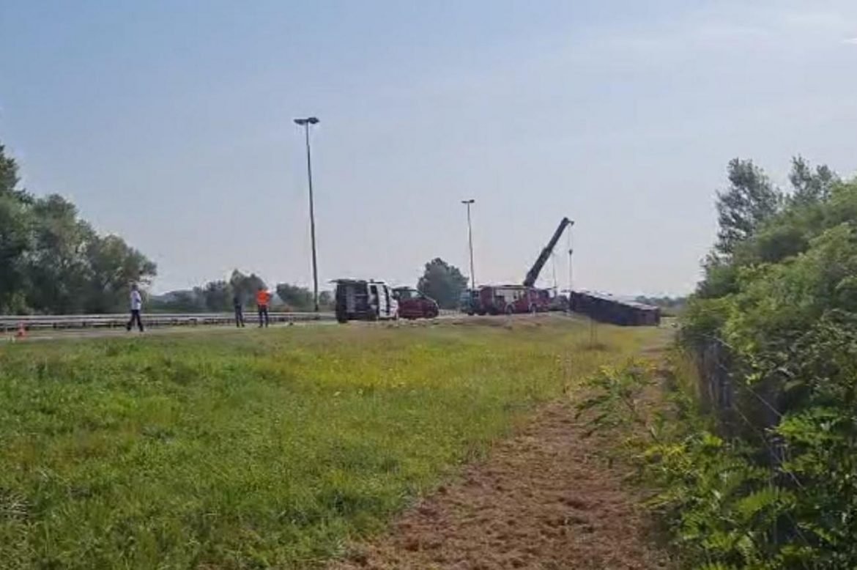 Sleteo autobus kod Slavonskog Broda, desetoro poginulih