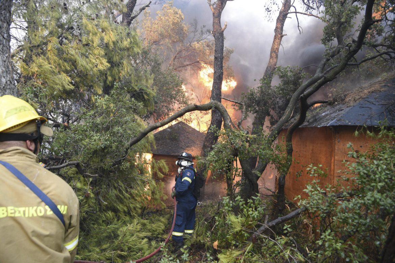 Grčka: Bukti požar na Peloponezu
