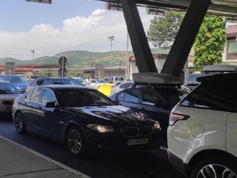 Na graničnom prelazu Gradina se čeka 10 sati na izlazu iz Srbije
