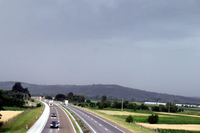 AMSS: Manje gužve na putevima u Srbiji, na granicama i dalje duža zadržavanja