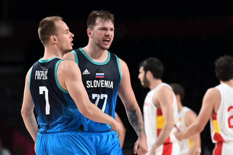 Slovenija savladala košarkaše Španije, prvi u grupi C