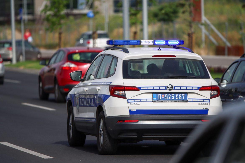 Saobraćajna nezgoda na isključenju kod Bubanj Potoka, lakše povređen muškarac