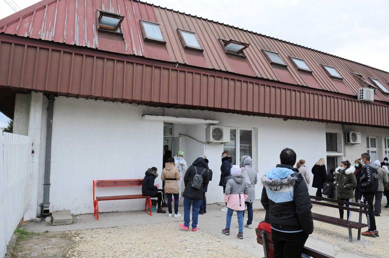 Kragujevac: Još 166 novozaraženih osoba, od danas ponovo radi dečija kovid ambulanta