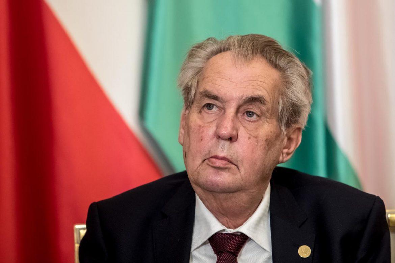 Češki predsednik Zeman prevezen u bolnicu