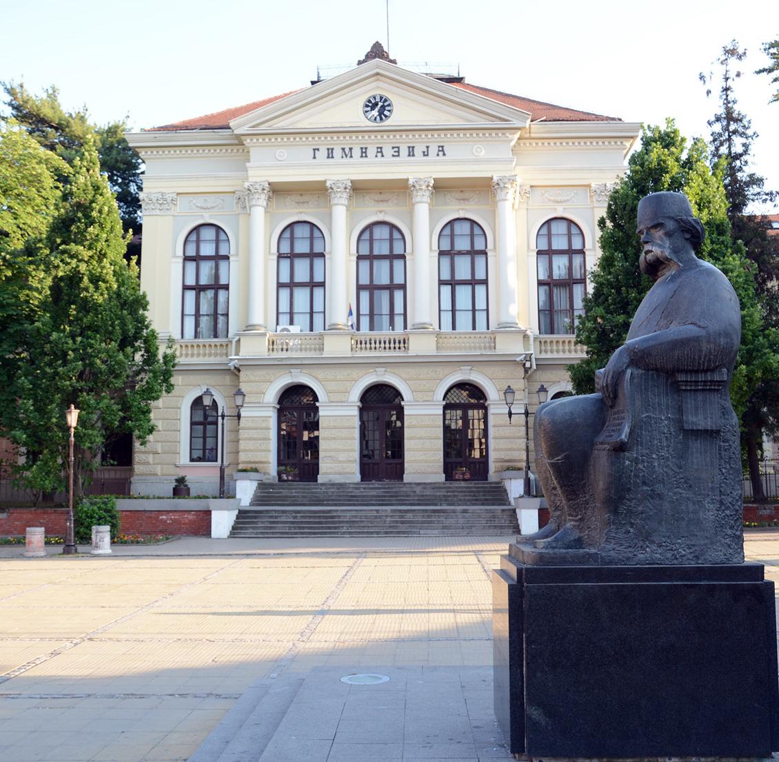 Kragujevac: U srednjim školama počinje nastava po kombinovanom modelu, moguće uvođenje vanrednog stanja