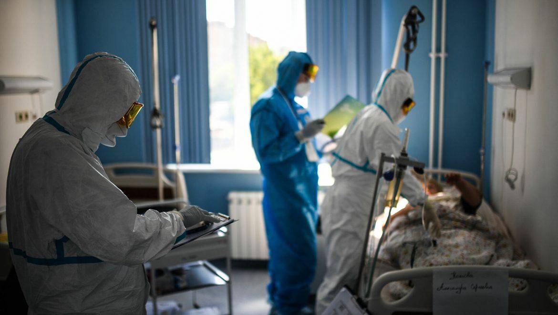 U Rusiji od kororone preminulo više od 900 ljudi, najviše u jednom danu