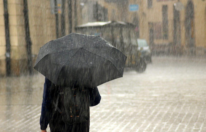 I danas hladno, vetar, oblaci i kiša