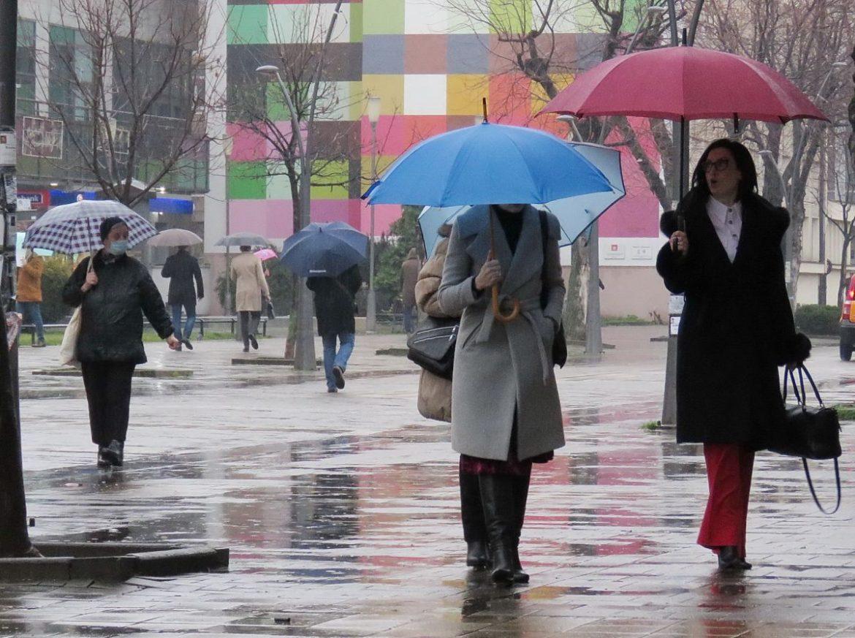 Danas hladno i kišovito, prestanak padavina tokom popodneva